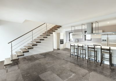 Serenissima-Bedrock-slate-grau-Steinoptik-Marmoroptik-neu-modern40x80-Vintage-nice modern loft, view of the kitchen